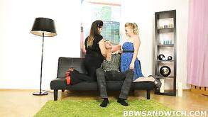 Ebano Freaky lesbiche